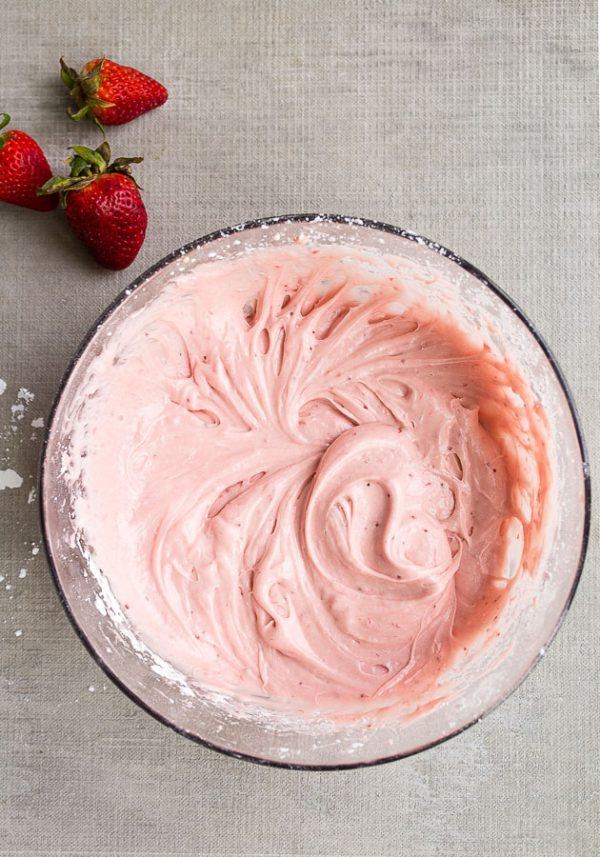 Strawberry Cream Cheese Frosting | Cream Cheese Dessert Recipes