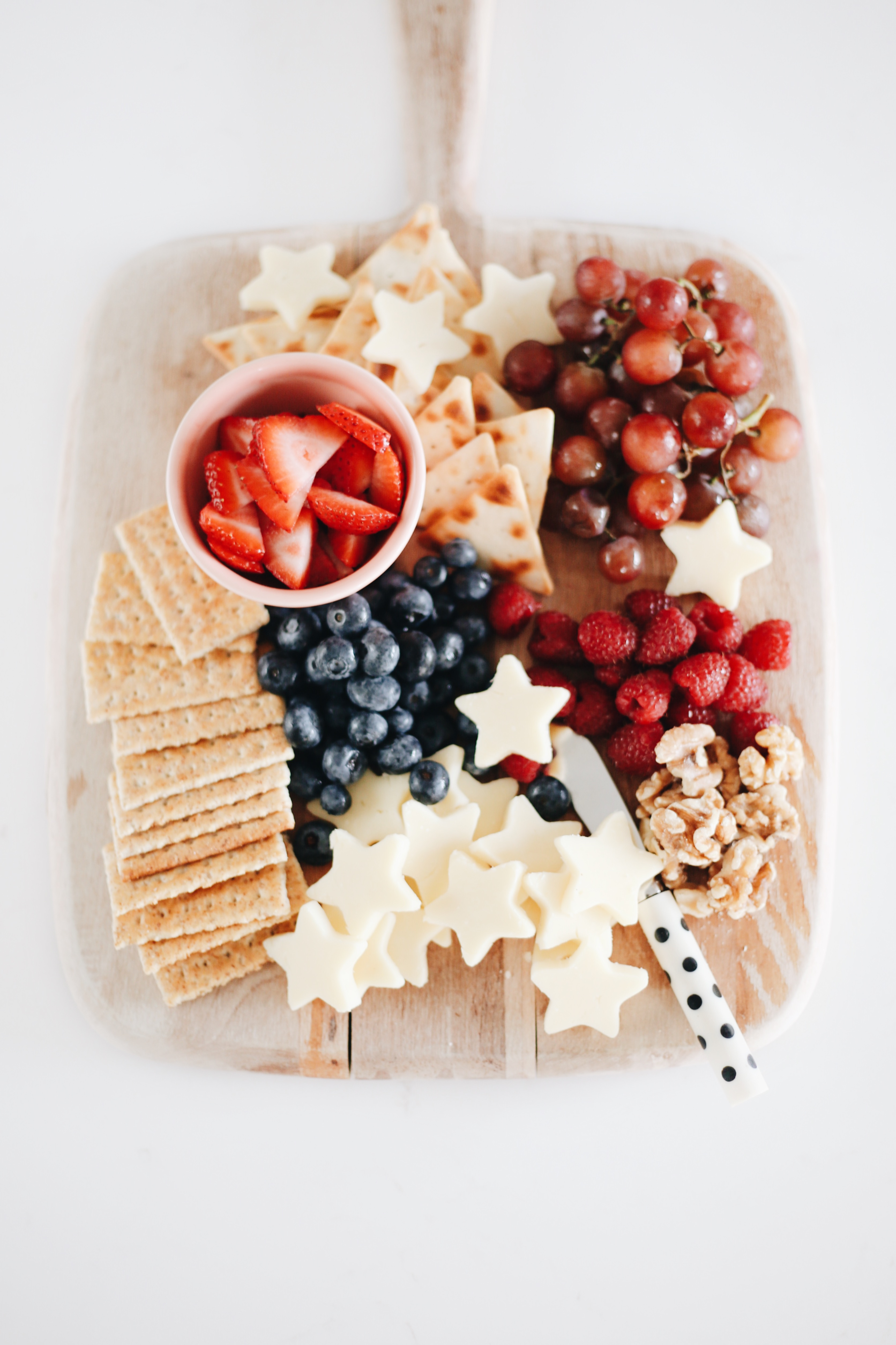 Patriotic Fruit and Cheese Tray | Patriotic Charcuterie Boards