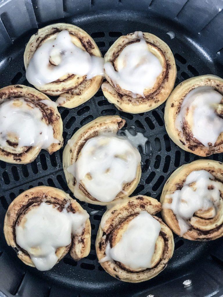Air Fryer Cinnamon Rolls | 25+ Air Fryer Desserts
