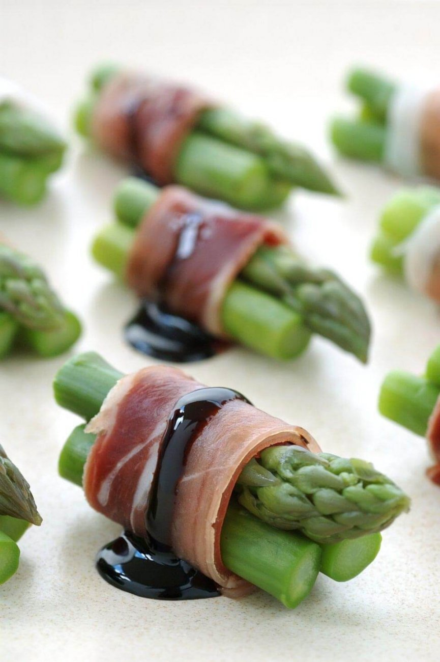 Asparagus and Prosciutto Bites | Bridal Shower Finger Foods