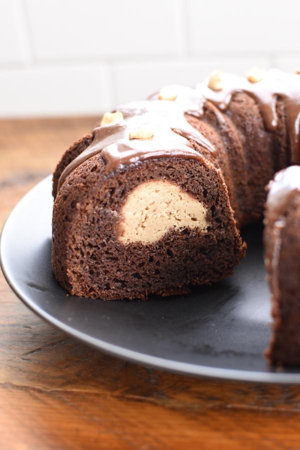 Chocolate Peanut Butter Buckeye Cake | NoBiggie.net