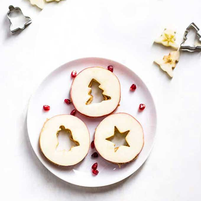 Christmas apple and peanut butter sandwiches | NoBiggie.net