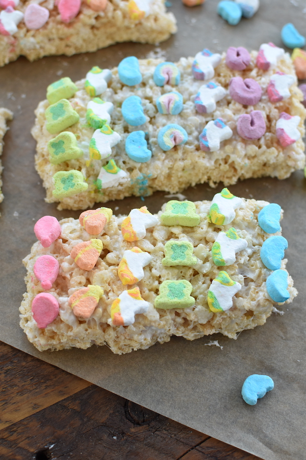 Lucky Charms Cereal rice krispie treats | NoBiggie.net