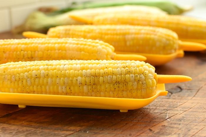 how to easily cut corn off the cob   NoBiggie.net